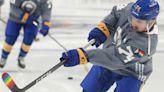 Sabres re-sign Rasmus Asplund