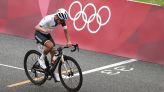 Olympics-Cycling-Carapaz wins gold in thrilling finish to brutal road race