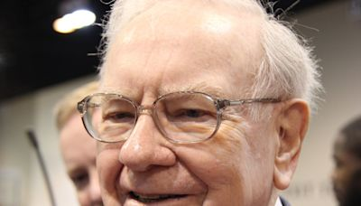 Warren Buffett Is Yielding Between 20% and 52% Annually From These Stocks
