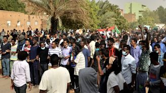 Sudan protesters, police clash as anti-Bashir unrest spreads