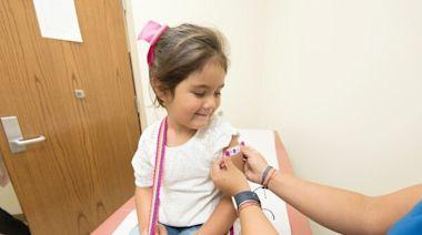 未成年何時該打疫苗?變異株增加青少年、幼童感染風險,疫情恐出現破口