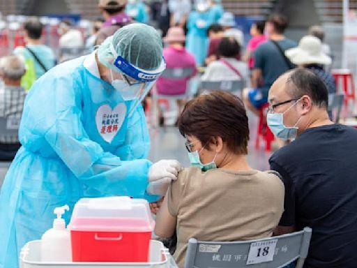 快訊/最新「AZ混打BNT疫苗」方案出爐!明加開預約「第二劑莫德納」,第13輪開放1類人混打