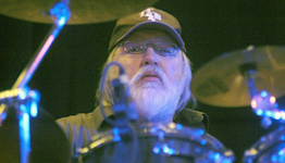 Ronnie Tutt: 'Legendary' Elvis Presley drummer dies at 83