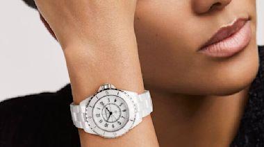 全白穿搭手錶與珠寶推薦!輕盈、抗磨又時髦的陶瓷白色特搜:Chanel J12、Boucheron耳夾與戒指、Richard Mille、雷達表...超過八款盤點