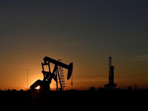 國際油價每桶73.64美元 飆二年半新高