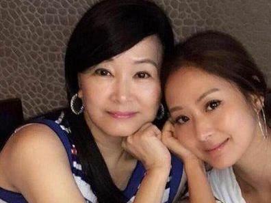 孫道存公然外遇20年!她養大孫芸芸「55歲離婚」再改嫁