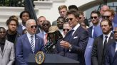 Tom Brady, meeting Biden with the Bucs, jokes that '40% of the people still don't think we won'