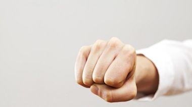 氣溫變化大血壓易忽高忽低! 日媒教「握拳2分鐘」有助控制血壓-台視新聞網