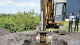 檢舉違法爐渣掩埋 台南環團:挖了3米深 這叫鋪面?