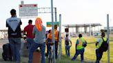 無證移民萬人集結美德州大橋下 多數來自海地