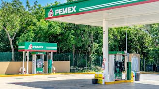 Mexico Budget Assumes Oil Output Surge Not Seen Since 1982 | Daily Business Review