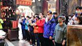 學測在即 港明高中前往慶安宮祈福