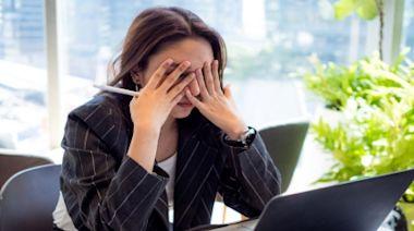 疲倦、肩頸痠痛、暴飲暴食...小心壓力大憋出病! 一張表檢測你是否過勞:12中6快就醫-台視新聞網