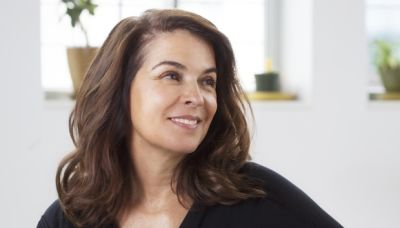 Law & Order: Annabella Sciorra to Reprise Criminal Intent Role on SVU