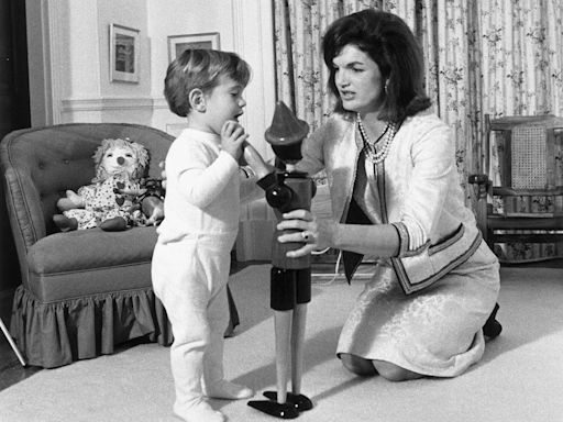 Jackie Kennedy's Secret Service Agent Remembers JFK Jr.'s Birth and White House Childhood