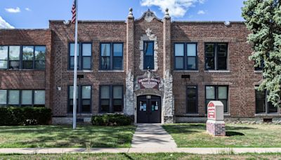 Wisconsin parent sues school district, says her son contracted COVID-19 from a classmate