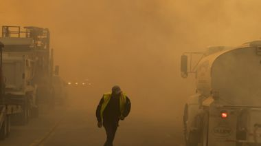 Wind gusts top 90 mph, sending ash and smoke across Southern California