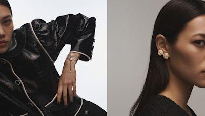 小香迷最愛「山茶花」再改款!滑扣、軟質金鍊戴起來超舒服 - 自由電子報iStyle時尚美妝頻道