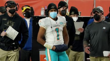 Dolphins' Tua remains limited in practice with thumb injury