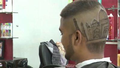 Público Tv - Desde el Taj Mahal a Michael Jackson en la cabeza de sus clientes gracias al arte de dos hermanos peluqueros en la India