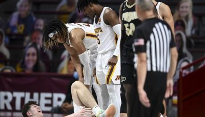 Gophers' center Robbins out with ankle injury vs. Northwestern