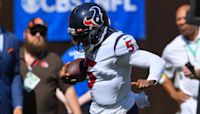 Texans' Tyrod Taylor scores rushing TD, leaves game with hamstring injury