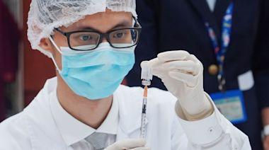 疫苗接種︱BioNTech單日接種人數升破紀錄 比科興多逾2倍 半身麻痺男未診症逕自離院 | 蘋果日報