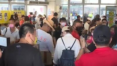 被悶壞!遊客擠爆東琉線碼頭 上萬人湧進小琉球