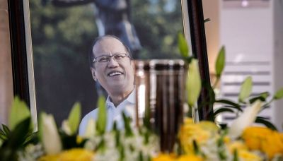 Filipinos bid farewell to former president Benigno Aquino
