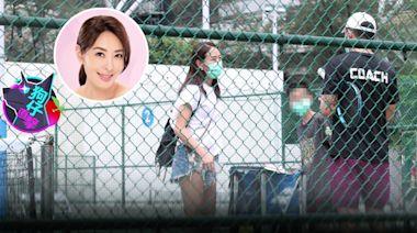 狗仔直擊|賈永婕回歸家庭帶兒上網球課 被教練帥到「我也想學」 | 蘋果新聞網 | 蘋果日報