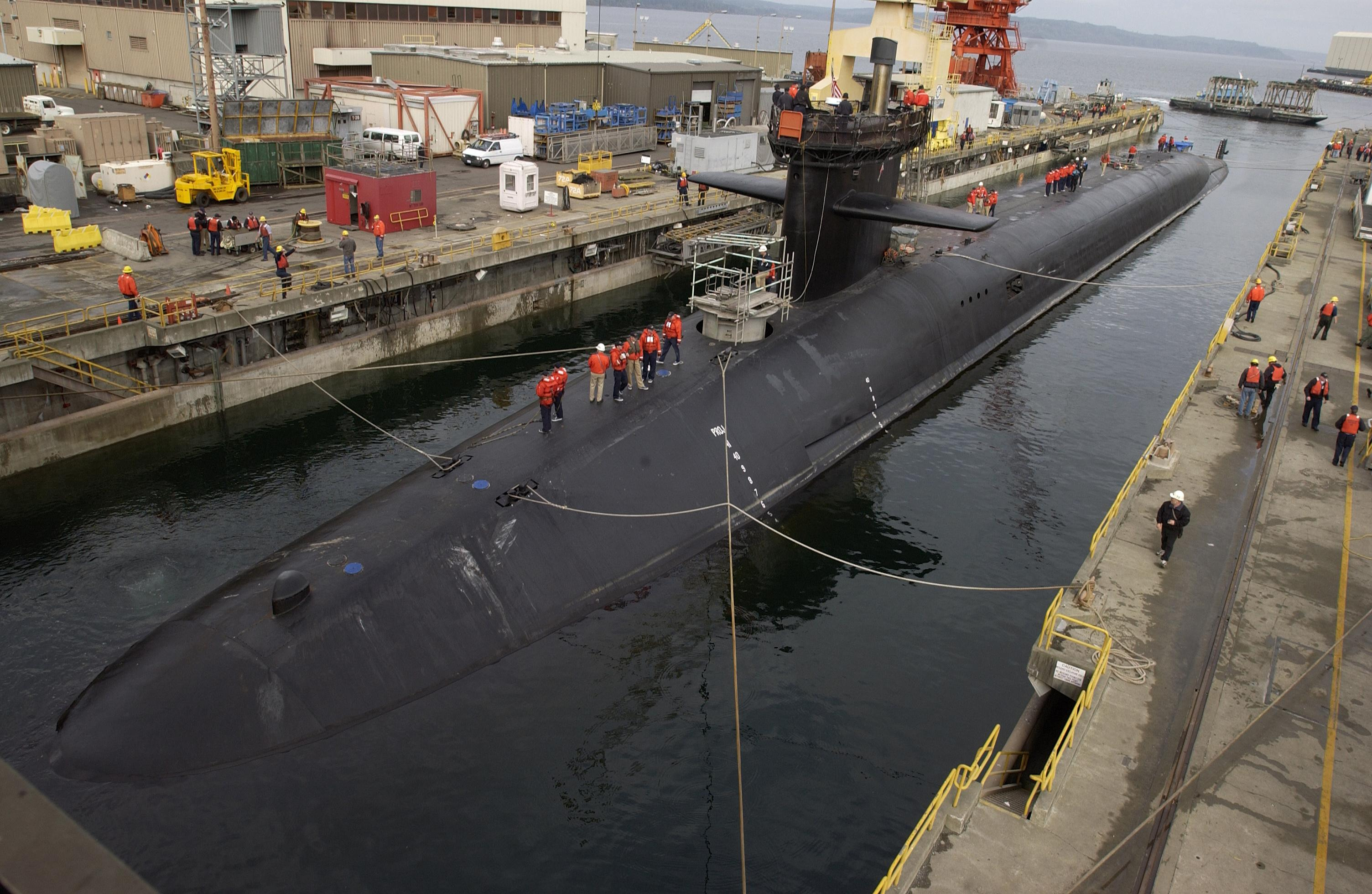 Description USS Michigan (SSBN-727).jpg