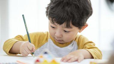 紓困4.0》孩童家庭防疫補貼開放郵局臨櫃申領!無薪假、停業改三級定額,最高每月領萬元