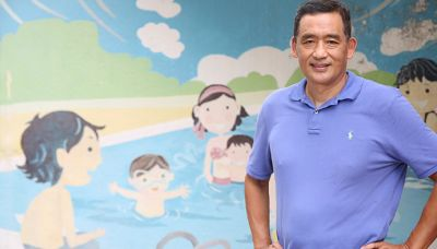 本地著名游泳教練張狄勇 - 時事 - 時事猛片