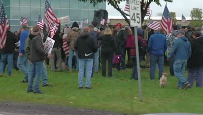 Moog workers walk out in protest of vaccine mandate