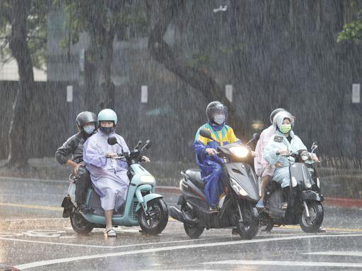 西南風增強!大雨、豪雨來襲 新北林口、桃園龜山一級淹水警戒   蘋果新聞網   蘋果日報