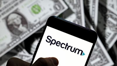 Column: Renew your service or we'll trash your credit score, Spectrum tells ex-customer