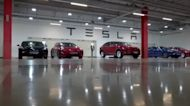 Tesla beats analyst estimates, delays Semi launch