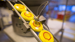 Shell Sets Bigger CO2-Reduction Target as Profit Falls Short
