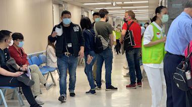【社區風暴】疫苗超搶手!竹縣施打人數翻倍 竹市預約「忙線中」 | 蘋果新聞網 | 蘋果日報