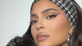 Kylie Jenner posts no-makeup videos while spending time with Stormi and it's so refreshing