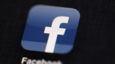 Facebook lifts ban on US political, social issue ads
