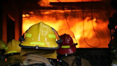 火災發生躲浴室、濕毛巾摀口鼻是錯的? 消防署授「正確火場逃生」
