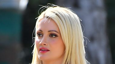 Holly Madison's Mini Skirt, Graphic Tee & Platform Lace Boots Are a Bold Choice for a Hike