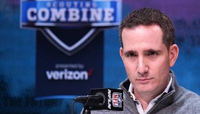 Eagles' execs Howie Roseman, Tom Donahoe caught in awkward NFL draft room exchange