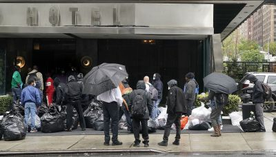 De Blasio: NYC ready to relocate 8K homeless out of hotels, back into shelters