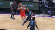 Moses Brown with a dunk vs the Sacramento Kings