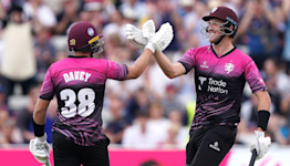 Somerset through to Vitality Blast final after edging out Hampshire in thriller