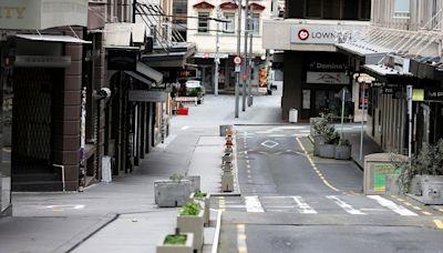 【新冠肺炎】紐西蘭強制醫護與教師打疫苗 奧克蘭延長三級警戒一周--上報
