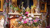 Mother-daughter duo win Art in Bloom awards