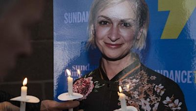 Halyna Hutchins: Vigil held in New Mexico for cinematographer